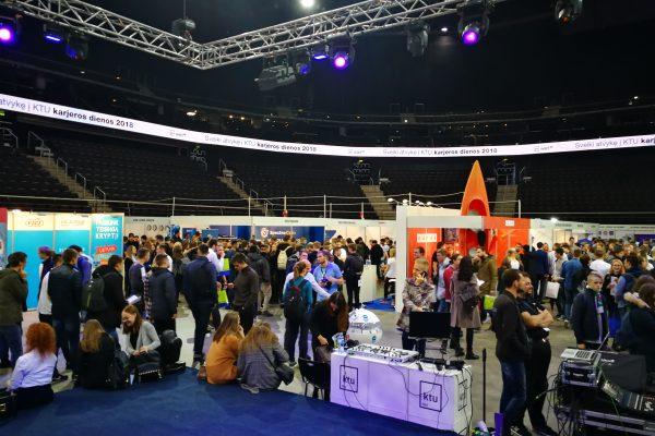digital application; digital CV; eletronic check-in at job fair